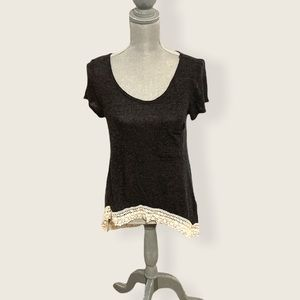 Abercrombie & Fitch Lace Hem High Low Tee Small